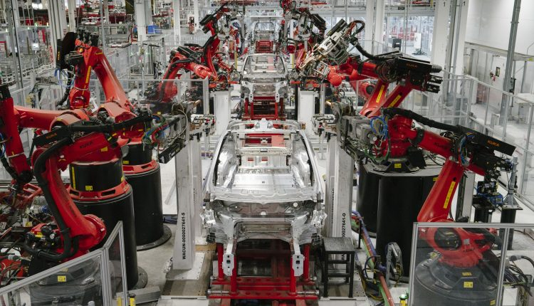 Tesla Model S and X production will shut down for