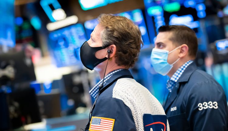 Stock futures advance as market tries to reclaim record highs
