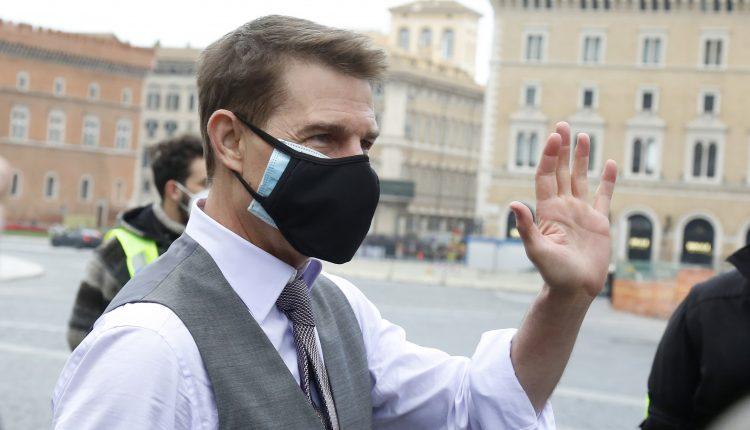 Tom Cruise reportedly heard lambasting film crew over Covid rules