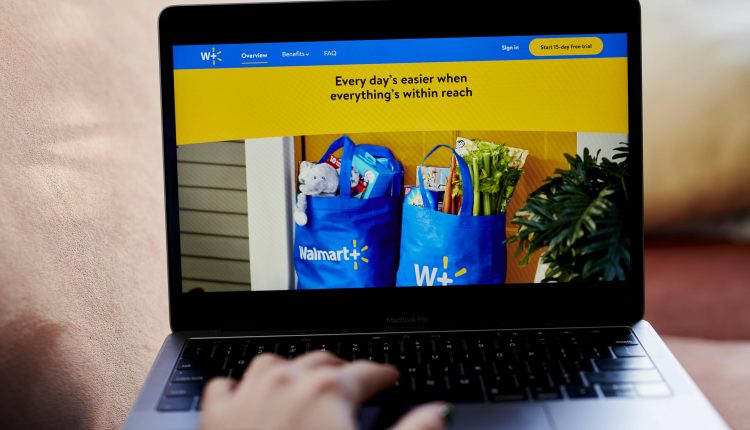 Walmart will test grocery deliveries to customers' homes