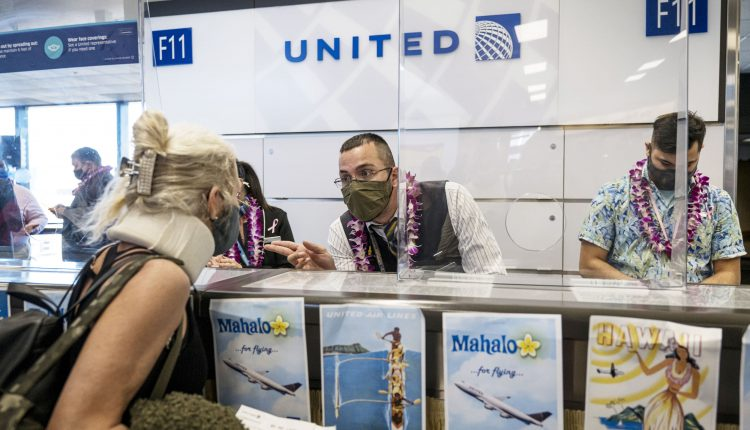 United Airlines CEO wants to make Covid vaccines mandatory for