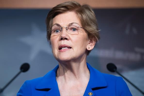 Elizabeth Warren slams SEC over 'market manipulation'