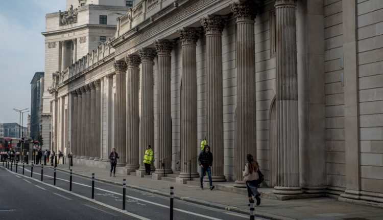 Bank of England Tells Banks to Negative Interest Rates