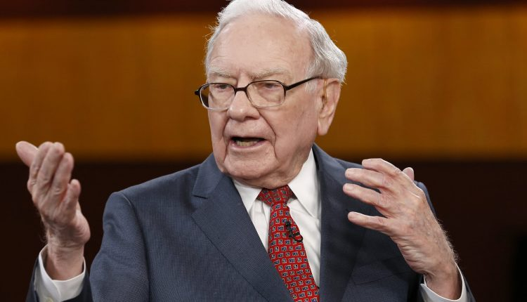 Warren Buffett says 'never bet against America' in letter trumpeting
