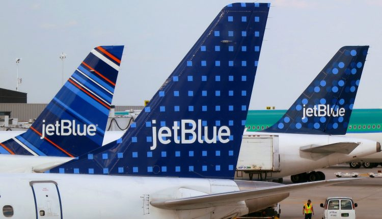 JetBlue scraps ticket-change fees but bans overhead bin access for