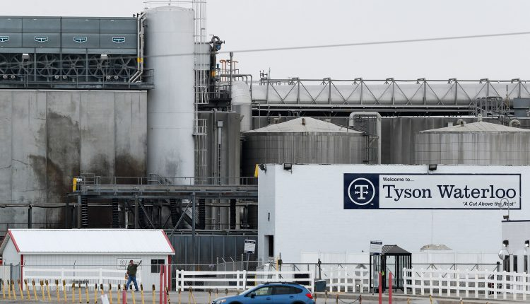 Tyson Foods begins vaccinating workers, but struggles to find doses