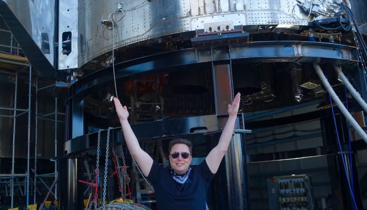 Elon Musk's SpaceX raised $850 million at $419.99 a share