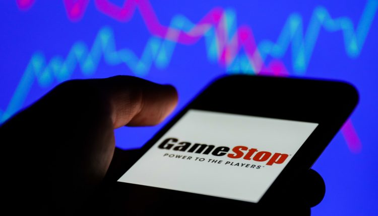 GameStop's fall continues despite easing of broker restrictions, down 30%