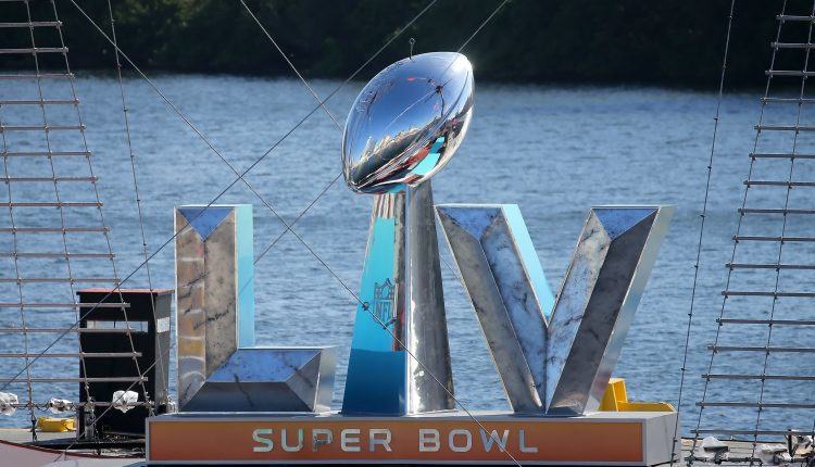 Super Bowl-winning MVP quarterback predicts Mahomes, Chiefs win