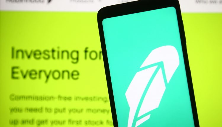 Wall Street clearing firm proposes 1-day trade settlement after Robinhood