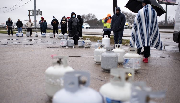Texas outages hit water supplies as thousands struggle without power
