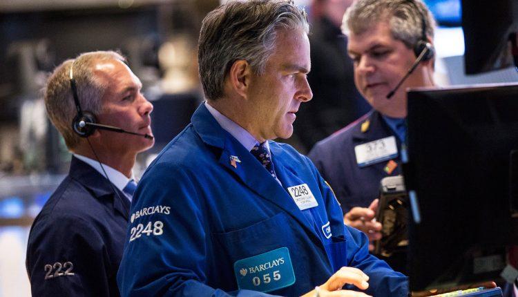 BuffettcutApple,Baron Tesla:Billionaire market selloff lessons