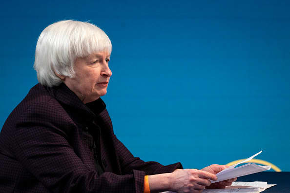 Yellen supports buybacks Warren wants BlackRock deemed too big to