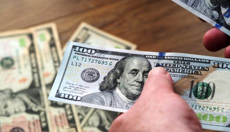 How $300 vs. $400 unemployment boost compare