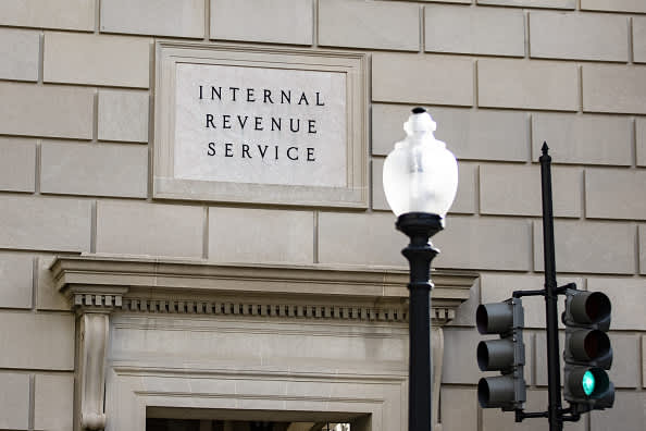 Wait to file amended return, IRS says