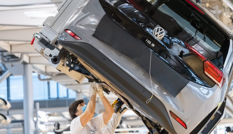 Volkswagen CEO says he wants to 'get close and then