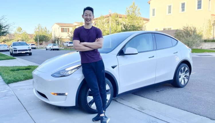 Tesla double-charged some customers for new cars