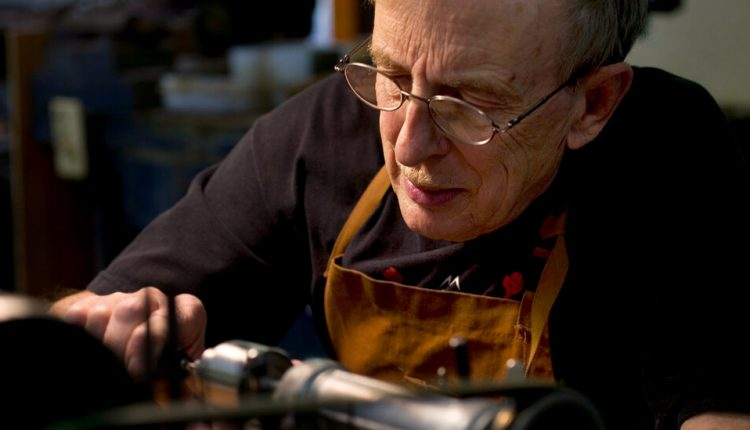 Paul Laubin, 88, Dies; Master of Making Oboes the Old-Fashioned