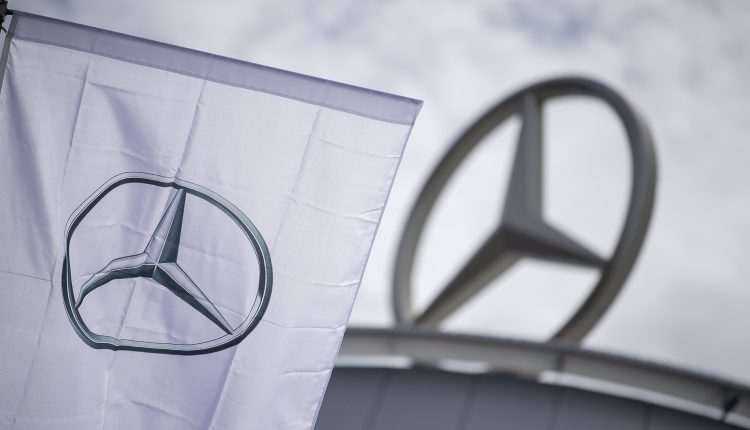 Daimler expects intense competition if Apple, Alibaba enter car market