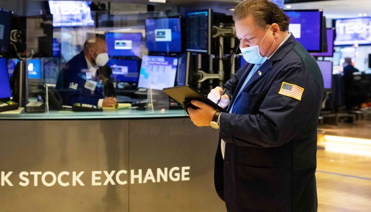 Stock futures are flat in overnight trading after Dow closes