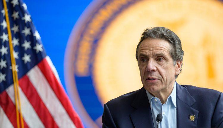 New York City will shut indoor dining starting Monday, Gov.