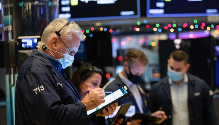 Dow futures rise 150 points, stocks attempt to bounce back