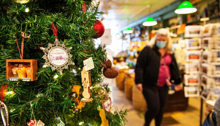 Holiday shoppers pull back on impulse buys amid coronavirus pandemic