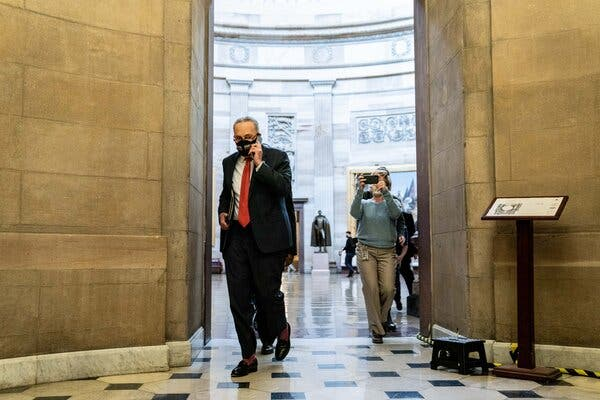 Congressional Leaders Meet to Discuss Stimulus