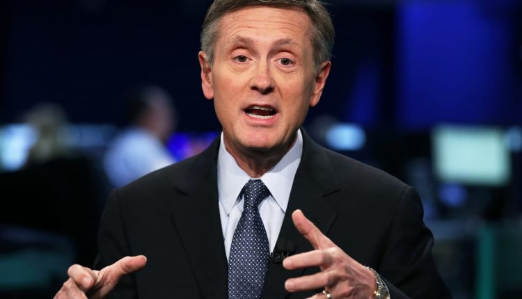 Clarida says Fed bond purchases to keep pace through the