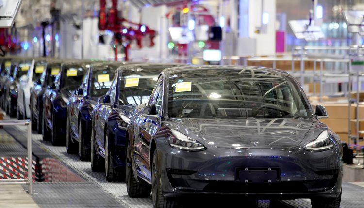 Tesla Model 3 reportedly explodes in Shanghai parking garage