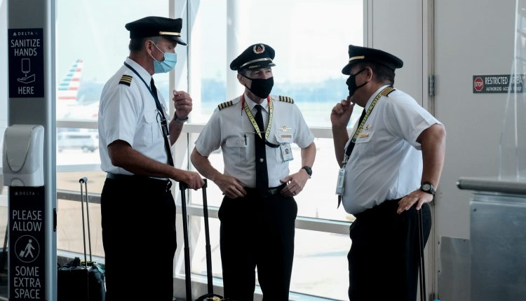 Delta plans to bring back 400 pilots, signaling optimism about