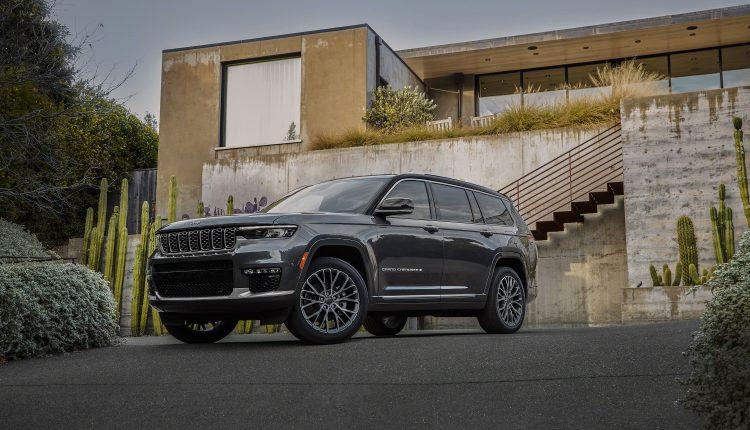 Fiat Chrysler unveils new three-row Jeep Grand Cherokee SUV