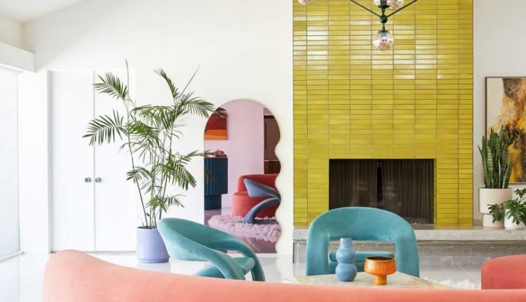 A Mid-Century Wexler Is Transformed With Vibrant Colors and Bold