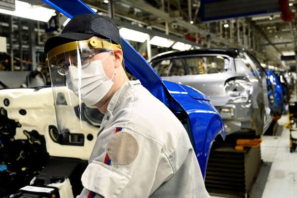Peugeot Shareholders Vote to Merge With Fiat Chrysler: Live Business