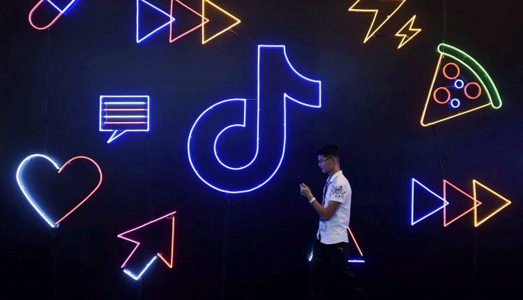 China video apps Kuaishou, Douyin become e-commerce sites like Alibaba