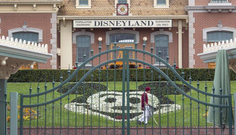 Coronavirus hurt theme parks, costing Disney $2.6 billion