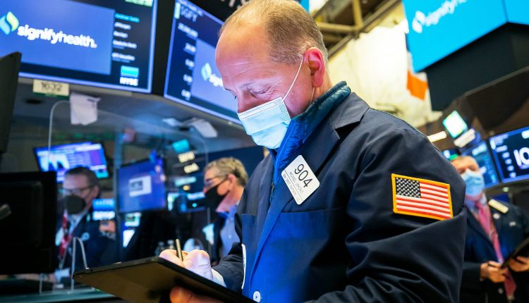 Stock futures are flat in overnight trading after S&P 500