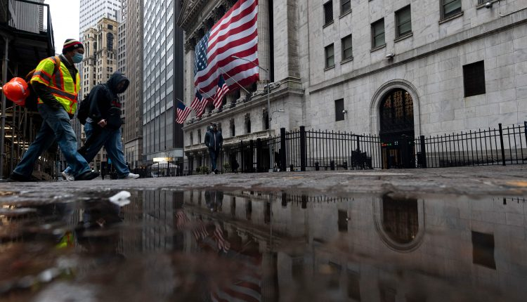 Bank and cyclical stocks are worth buying on a dip