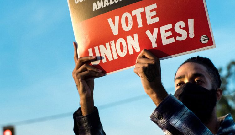 How Amazon Crushes Unions – The New York Times