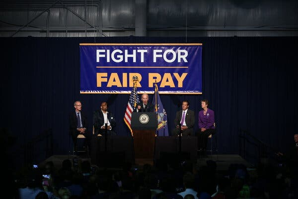 Biden to Raise Minimum Wage for Federal Contractors to $15: