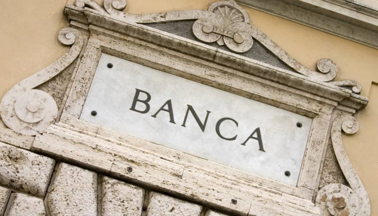 Intesa Sanpaolo CEO sees deals in Italian banks within 12