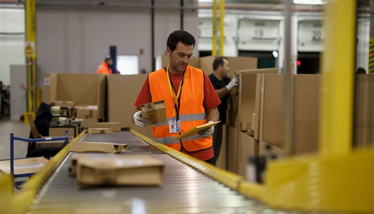 Amazon is planning to hire 10,000 people in the U.K.