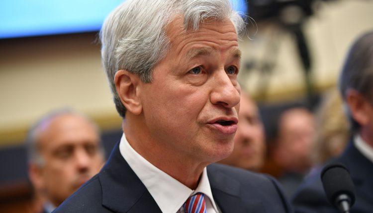 Top bank CEOs testify before Congress