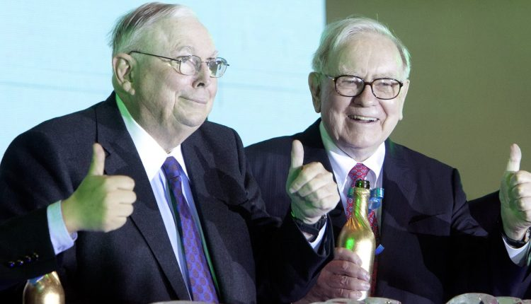 Charlie Munger says he's in love with Zoom, thinks the