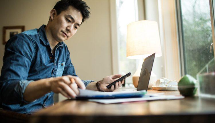 401(k) investors may be using a robo-advisor — and not