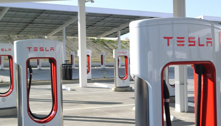 Elon Musk says Tesla will open Superchargers to other cars