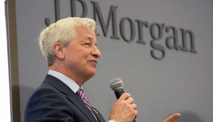 JPMorgan gives Jamie Dimon special stock option bonus to keep