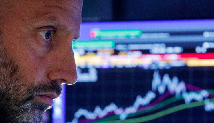 Futures edge higher after stocks notch 3-day win streak