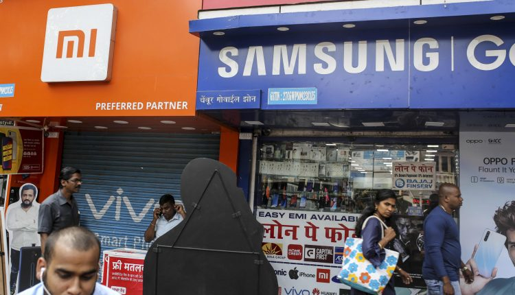 Smartphone shipments in India fell 13% in Q2 due to