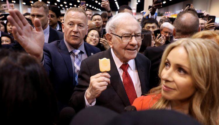 Warren Buffett turns 91, prepares Berkshire Hathaway for a new
